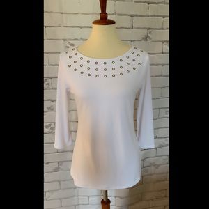 3/$25⭐️Women's White Stretch Embellished Top